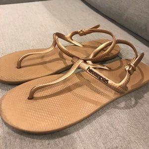 Women's havaianas freedom sandal size 7.5/8.5